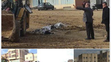 صورة مصلحة الإعلام والتواصل : صور من تدخل بنقطة سوداء ( مخلفات البناء ) بجانب من مؤسسة محمد درويش بالخيوط.