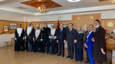 صورة السيد عمدة مدينة فاس يستقبل السيد سفير سلطنة عمان بمقر جماعة فاس