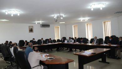صورة إجتماع اللجنة المكلفة بالبيئة والتعمير